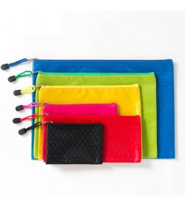 WATERPROOF NYLON POUCH